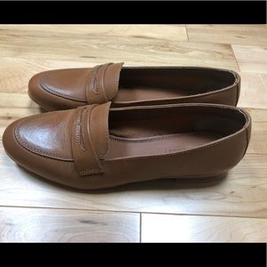 Brown leather loafers, NWOT